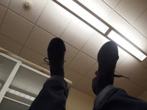 feet striking air make almost no sound